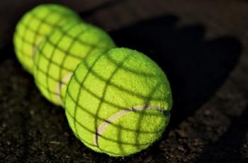 tennis-balls-1659737_640.jpg